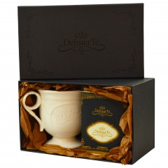 Луксозен подаръчен комплект  с чаша и чай Сладък Джинджър